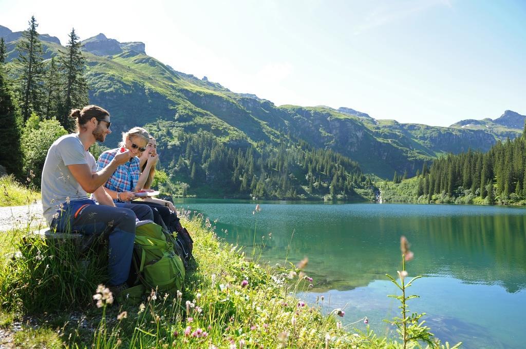 Mettmensee oder auch Garichtisee auf der Mettmen Alp im Sommer