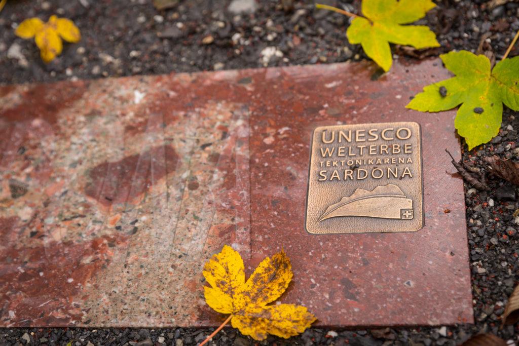Eintrittsschwelle ins UNESCO-Weltnaturerbe Tektonikarena Sardona